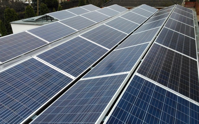 12.5 kW napelemes rendszer kelet-nyugati tájolással