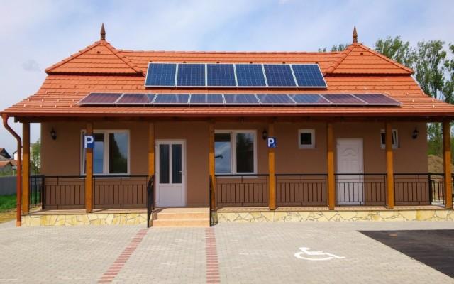3,6 kW hálózatra tápláló napelemes rendszer