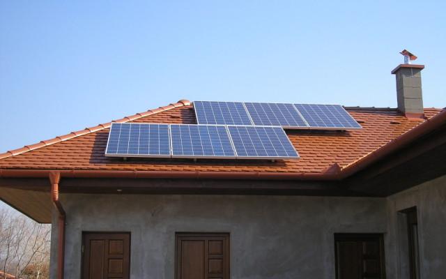 1,5 kW hálózatra tápláló napelemes rendszer
