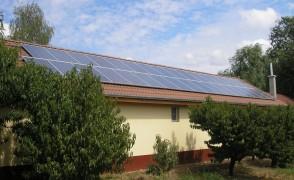 8 kW hálózatra visszatápláló napelemes rendszer Pizzéria
